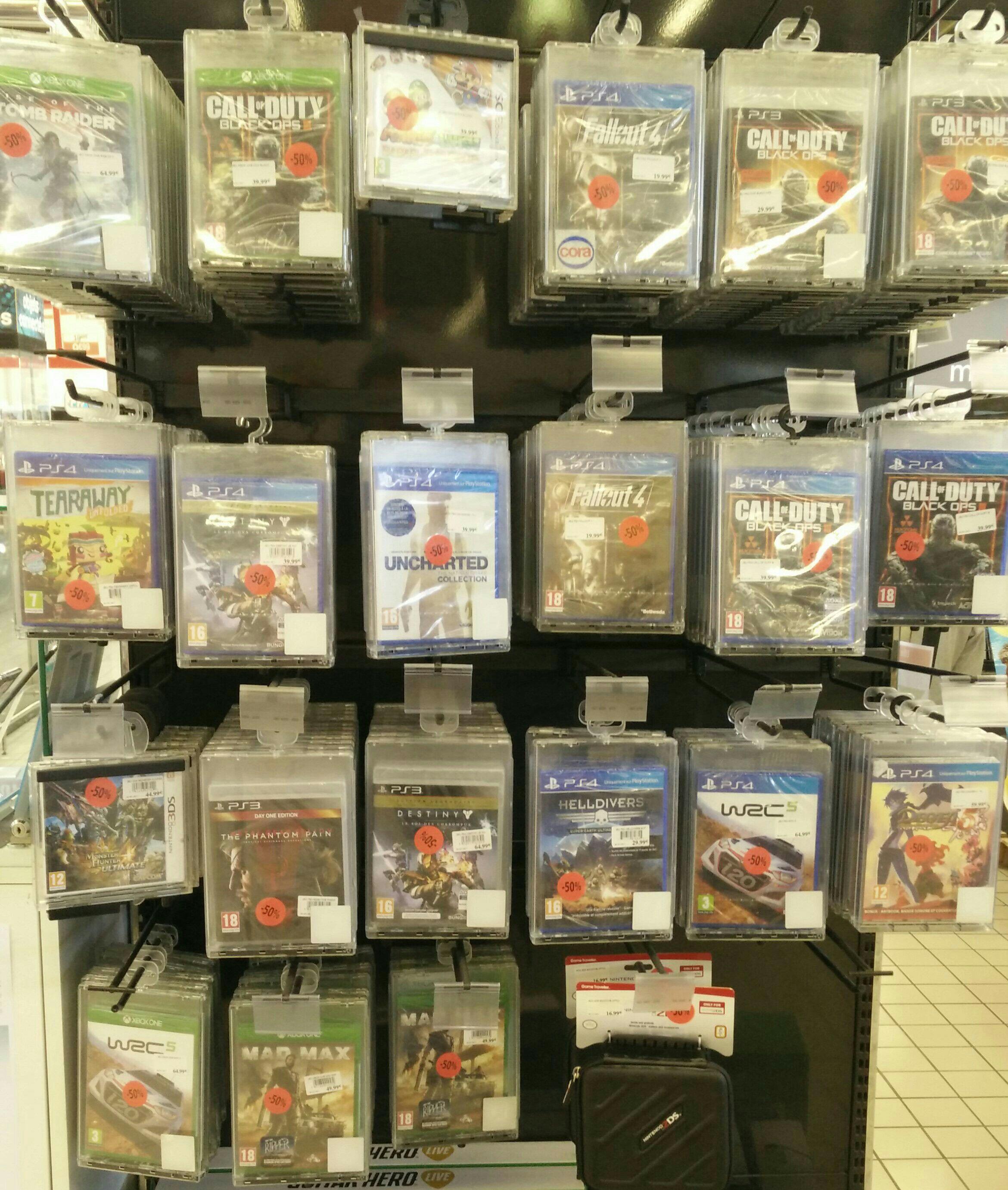 Sélection de jeux en promotion - Ex : Call of Duty : Black Ops 3 sur PS4
