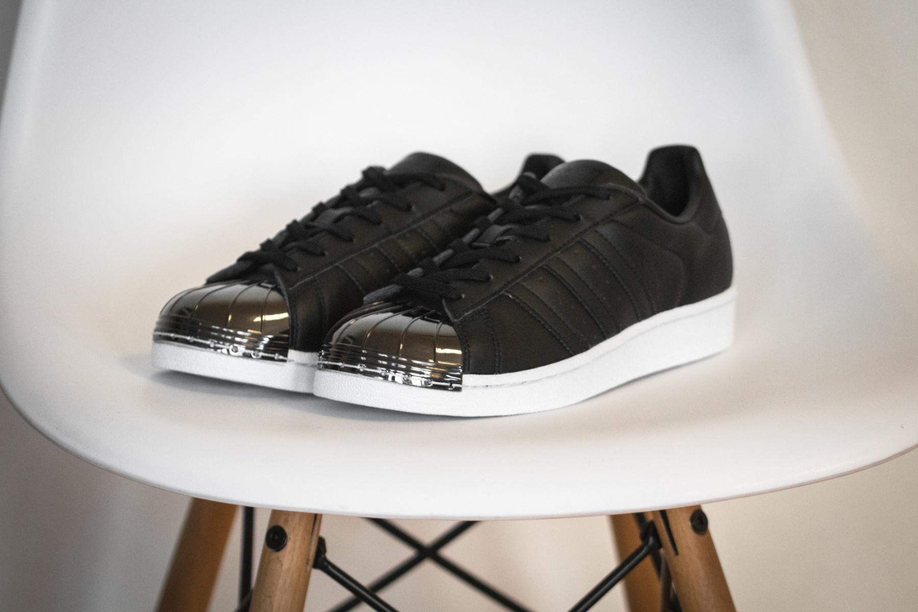 Sélection de basket en promotion + Code de 20% de Réduction - Ex : Chaussures femme Adidas Superstar Metal Toe - Noir