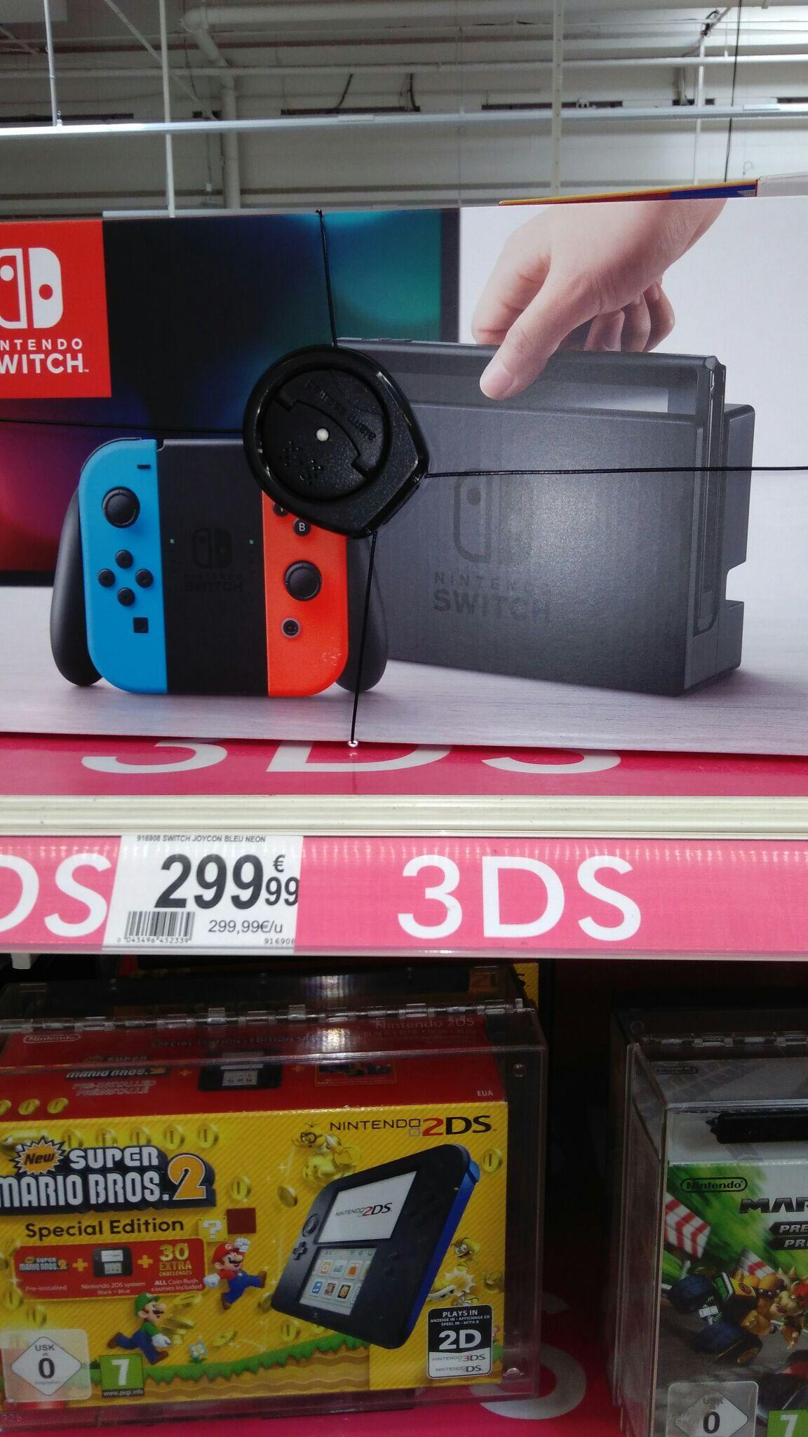 Console Nintendo Switch avec paire de joy-con (bleu / rouge ou noir)