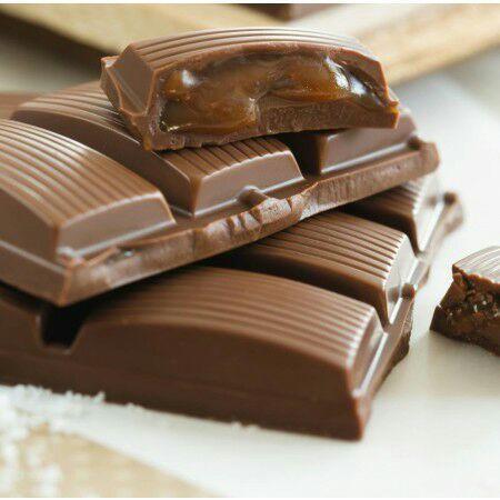 Sélection d'articles offerts pour toute commande - Ex: Tablette de chocolat au lait fourrée au caramel/beurre salé +  Sac isotherme offert