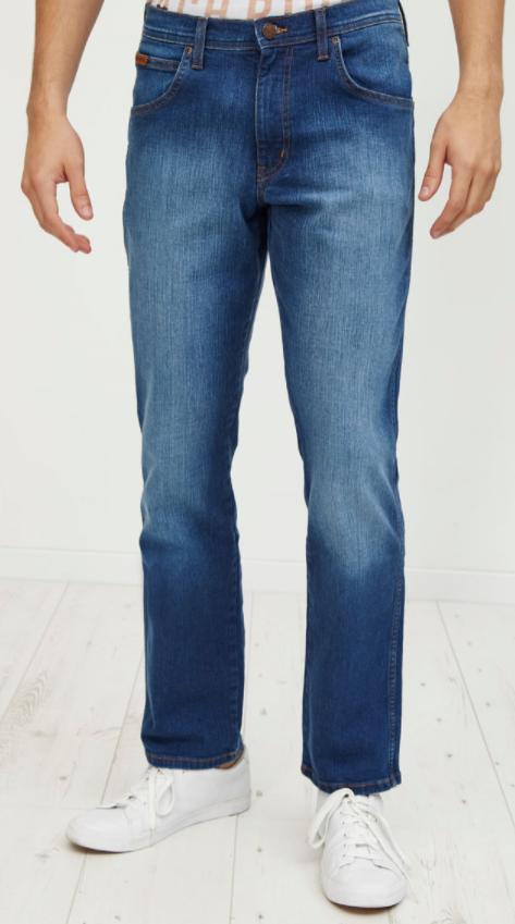 Jeans Wrangler droit (tailles 40 à 44)