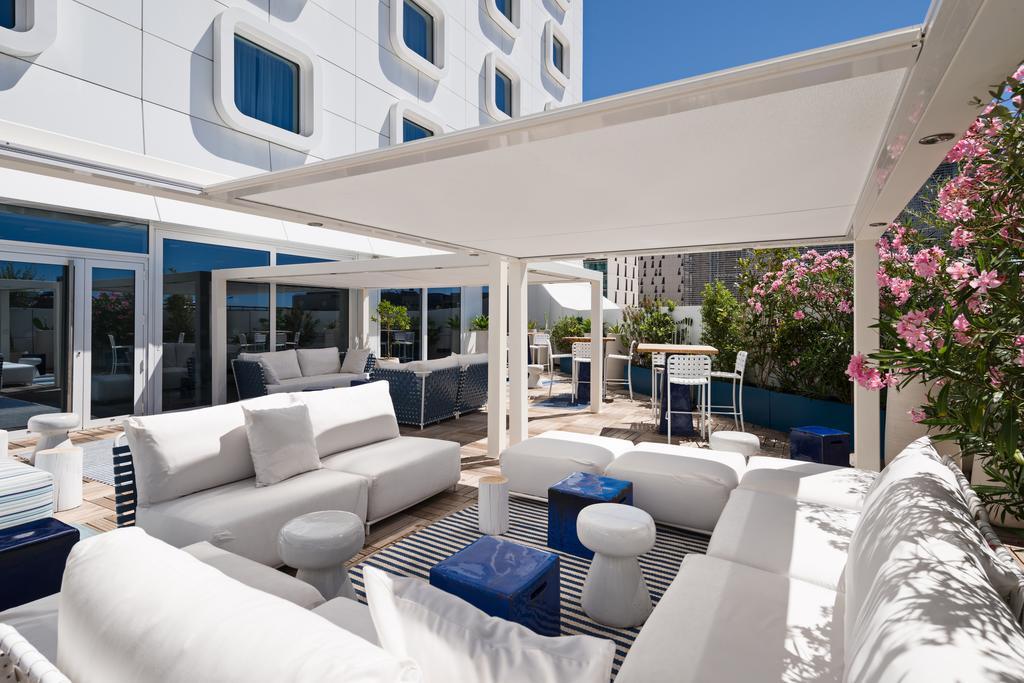 1 nuit avec petit déjeuner à Hôtel Golden Tulip Marseille Euromed pour 2 personnes