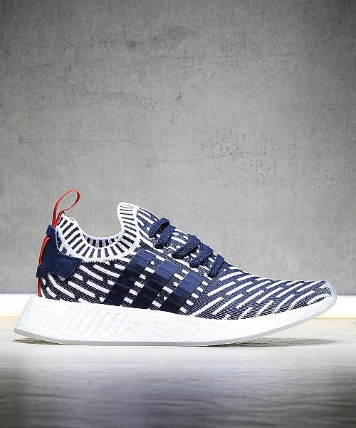 Sélection de chaussures en promotion +  10% de réduction supplémentaire - Ex : Adidas NMD R2 PrimeKnit 'Navy Zebra'