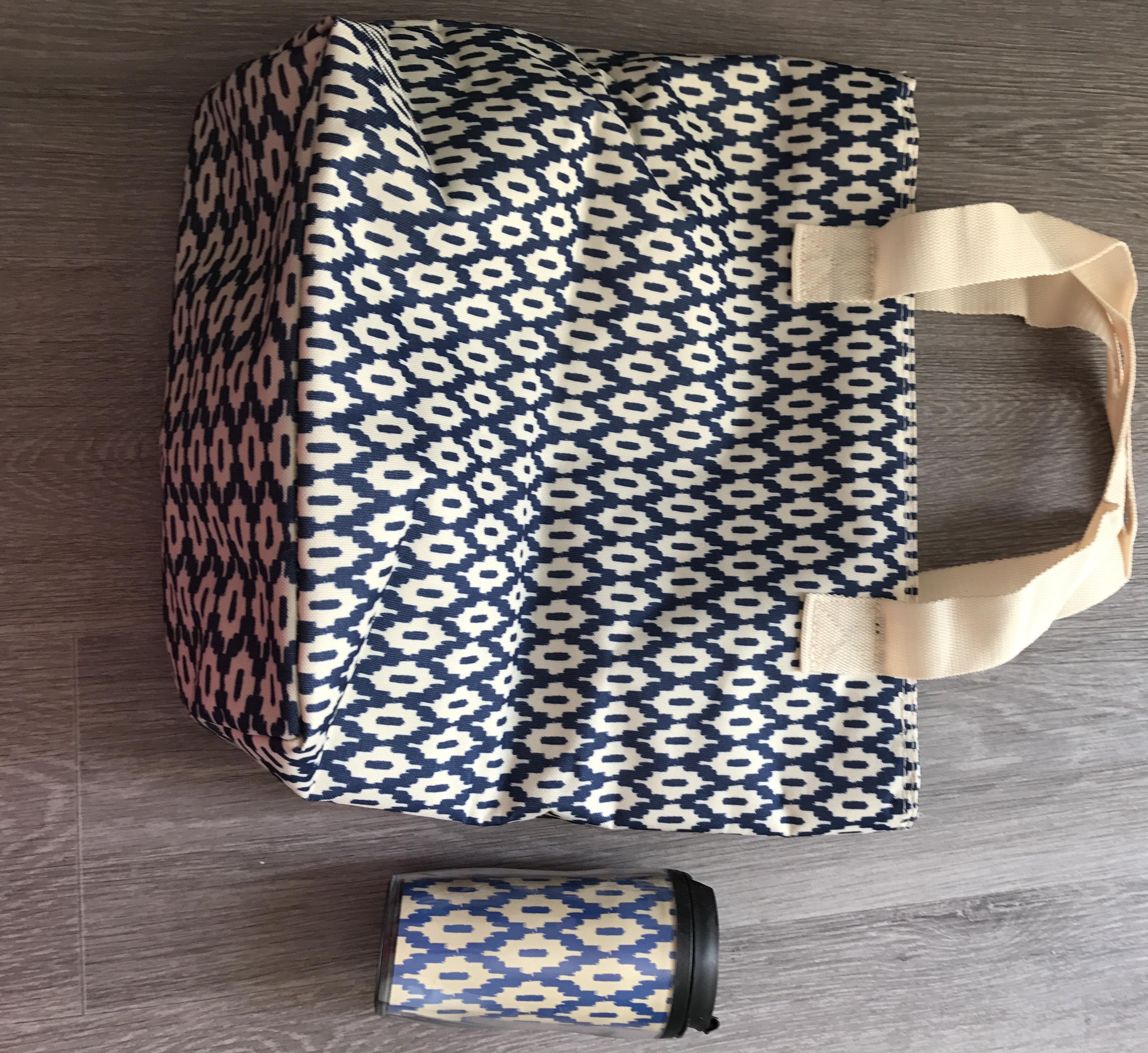 11€ de réduction dés 20€ d'achat (hors soldes) +  livraison gratuite dés 3 articles commandés + sac isotherme et son mug assorti offert