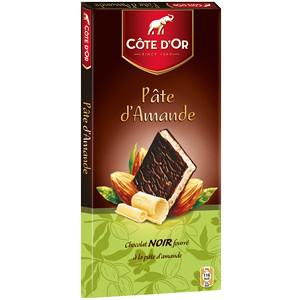 4 tablettes de chocolat noir fourré à la pate d'amande Cote d'or