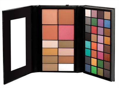 50% de réduction sur une sélection de produits - Ex: Palette de maquillage Beauty School Dropout