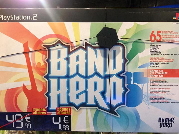 Band Hero - Complet sur PS2 (Jeu + Guitare + Batterie + Micro)