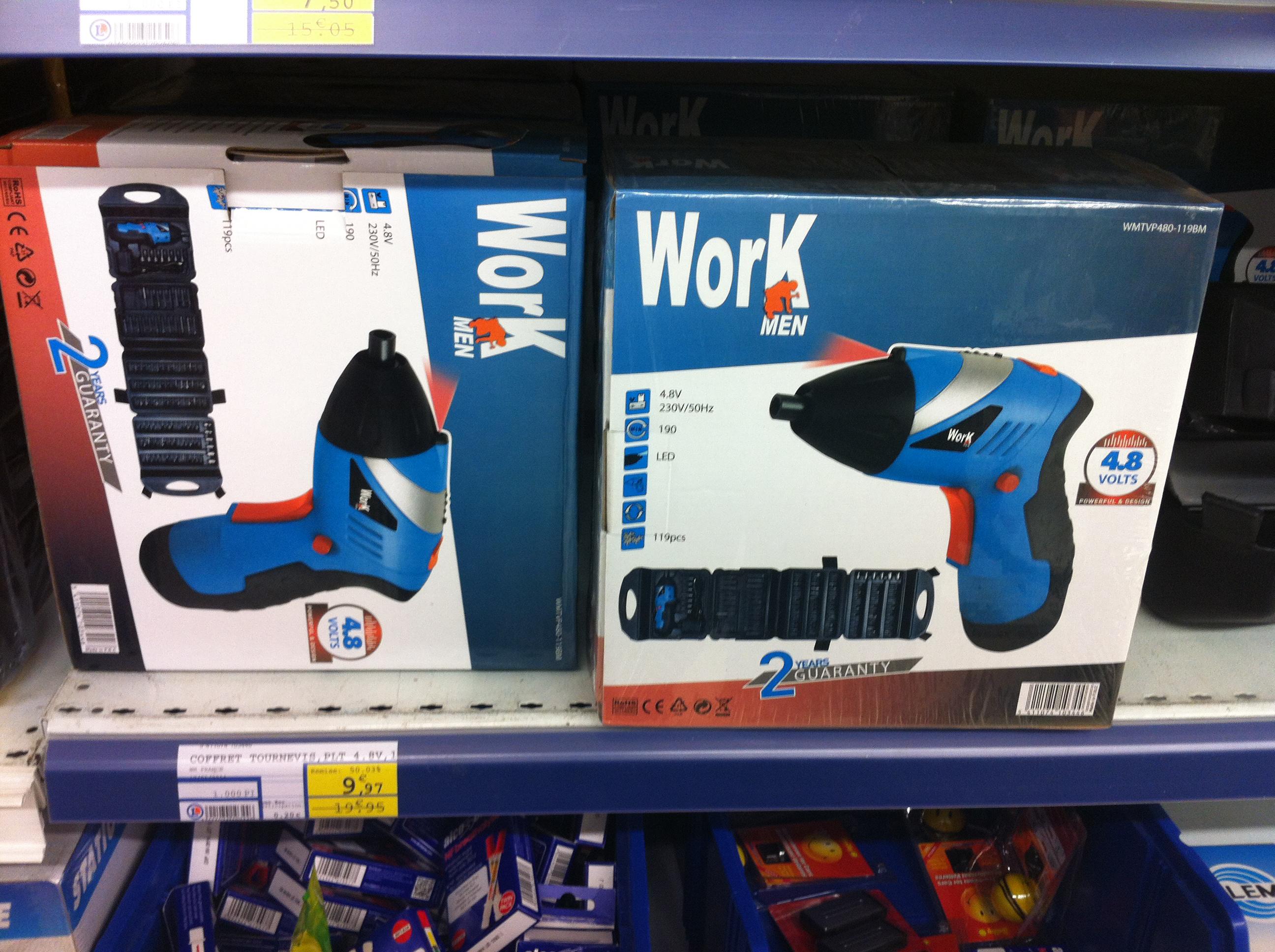 Coffret WorkMen tournevis 4,8V + 117 accessoires en magasin