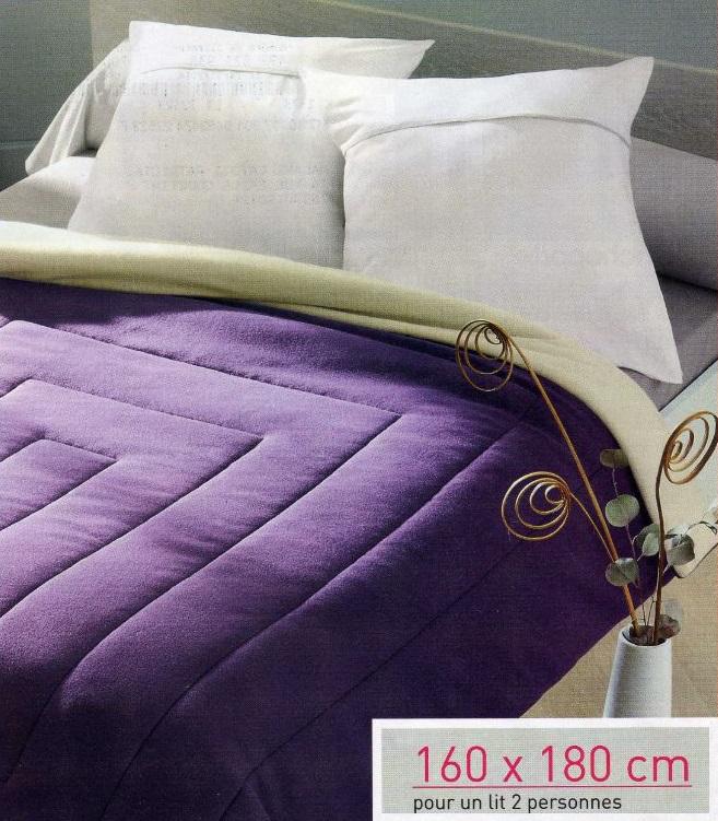 Une couverture polaire 160 x 180 + 3 Lot de 20 serviettes en papier