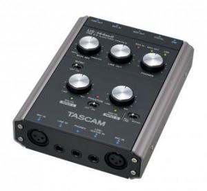 Carte son TASCAM Interface audio/MIDI 4 canaux USB 2.0 US-144MKII + Steinberg Cubase LE 5 inclus