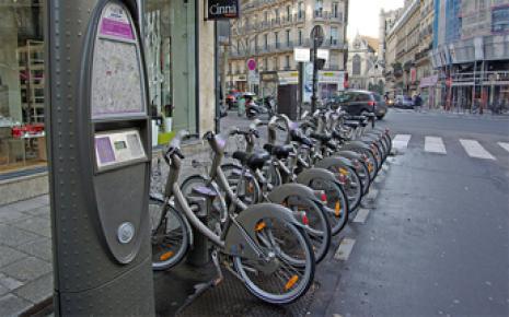 Velib', Autolib', stationnement résidentiel et transports en commun RATP/SNCF gratuits