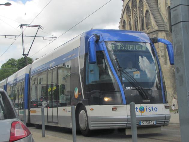 Transports et stationnement gratuits à Caen