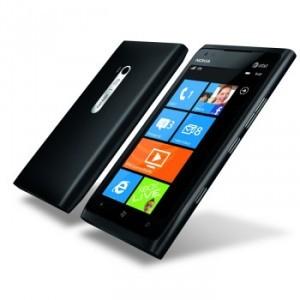 Smartphone Nokia Lumia 900 noir ou bleu