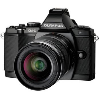 [Offre Adhérents] Appareil photo Hybride Olympus OMD E-M5 noir + 3 Objectifs (12-42 mm, 45mm, 40-150 mm) + Poignée