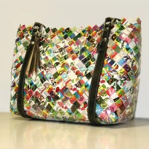 MUST HAVE de l'originalité : le sac à main en papier de bonbon recyclés