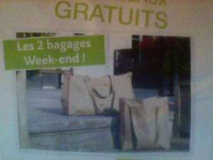 Lot de bagages week end en cadeau + 2 gants toilette