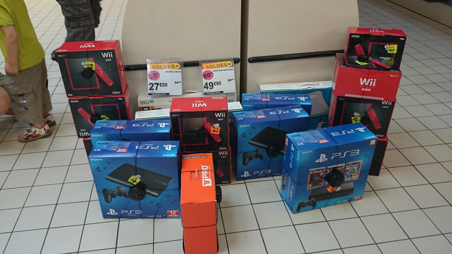 Sélection de produits en soldes - Ex: Console PS3 Ultra Slim 12 Go + 3 jeux (GT5 + Uncharted 3 + PS All-Stars Battle Royale)