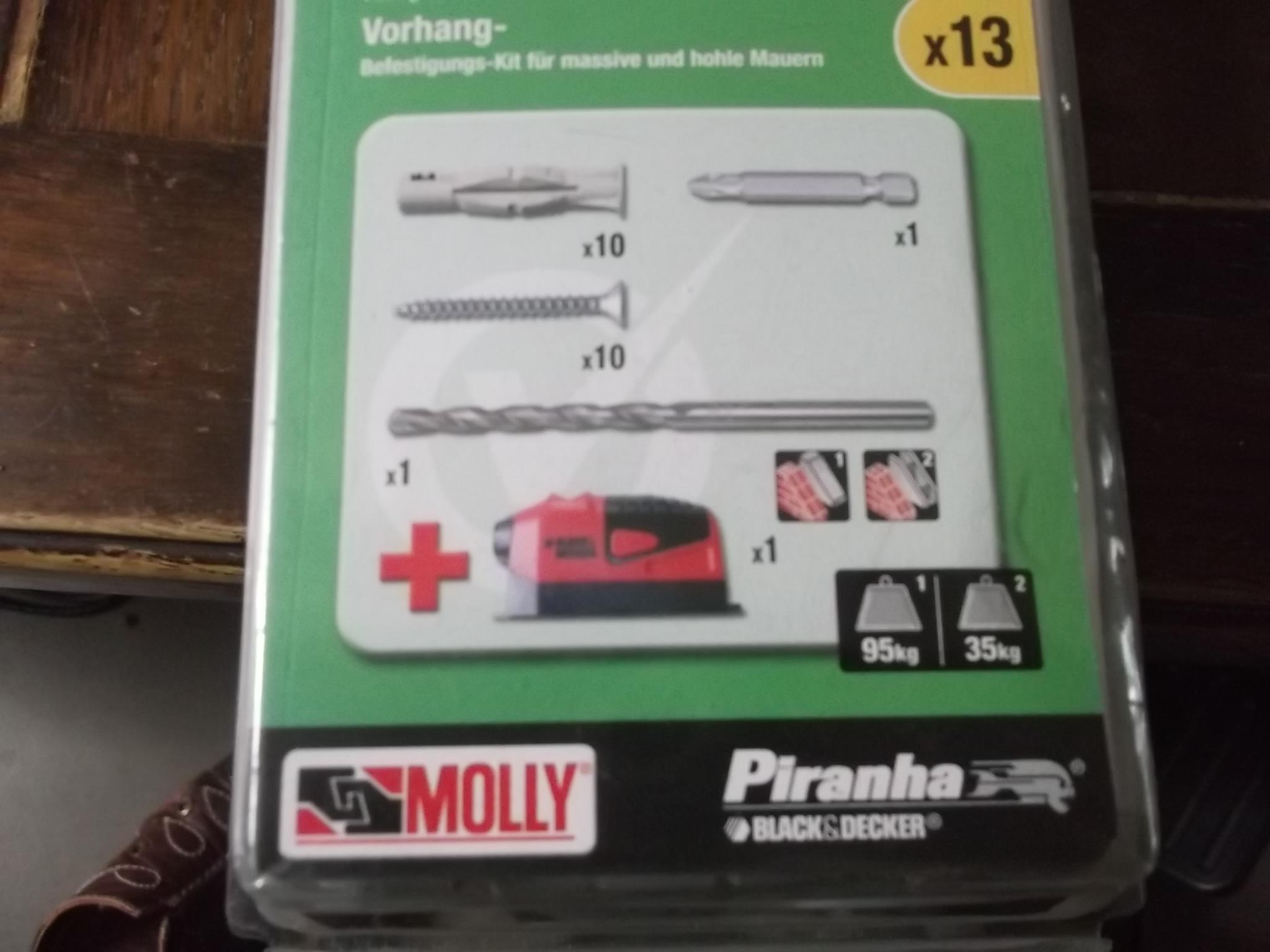 Kit de fixation rideau Molly avec niveau laser Black & Decker