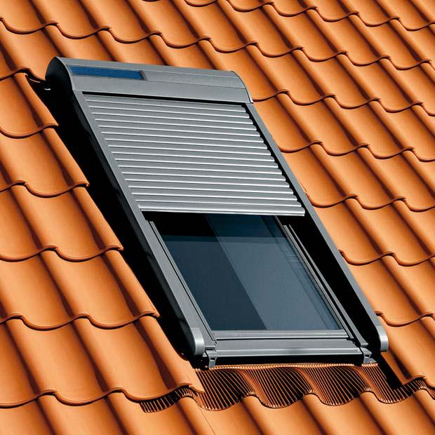 Volet roulant solaire SSL Velux 118x114 pour fenêtre de toit (avec ODR 40€)