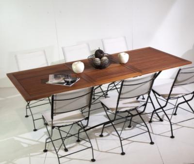 Table de jardin pliante en eucalyptus et fer forgé