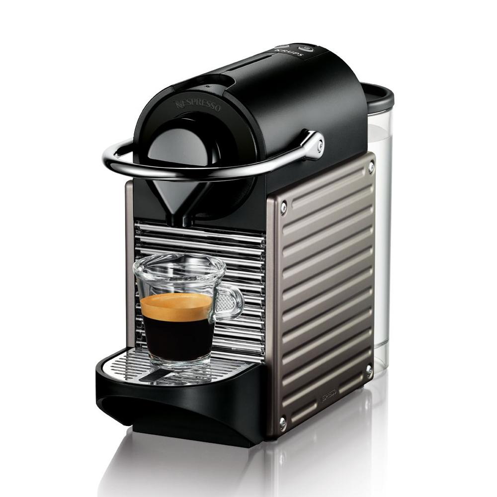 [Offre adhérents] Machine à café Krups YY1201FD Nespresso Pixie Titanium (Avec ODR de 50€) + 50€ en chèque cadeau