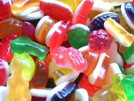 Distribution gratuite de bonbons dans les plus grandes villes françaises