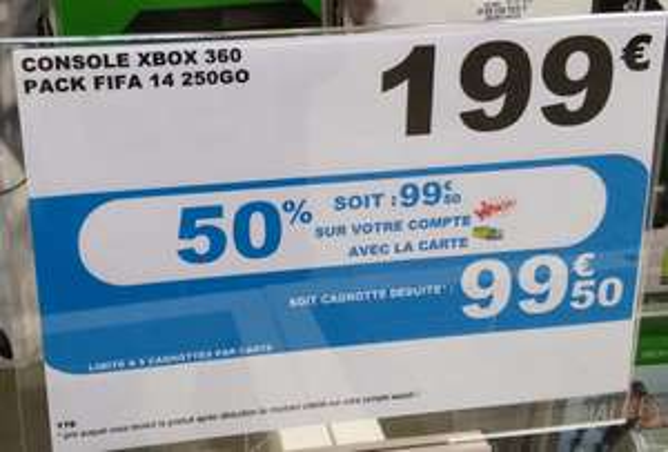 Console Xbox 360 250Go + FIFA 14 (Avec 50% sur la carte Waaoh!)