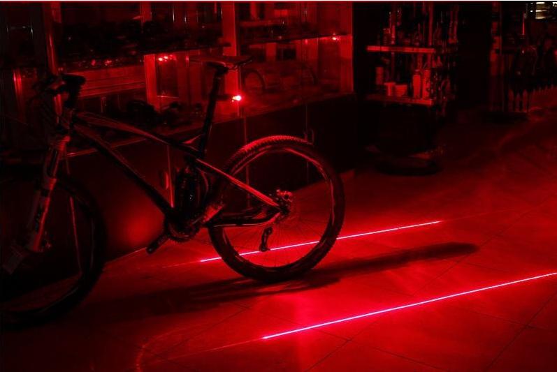 Feu arrière rouge de vélo (5 LED + 2 lasers)