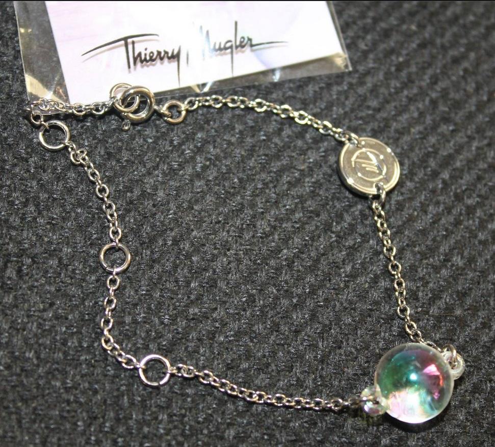 Bracelet Thierry Mugler offert sur simple visite