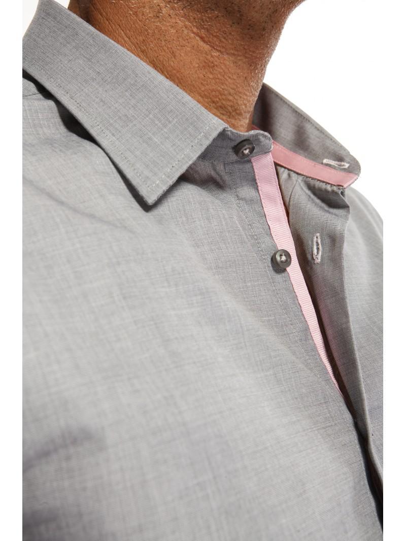Jusqu'à -70% sur une sélection de vêtements - Ex : Chemise coupe cintrée grise