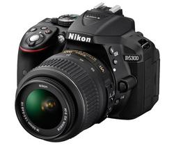Appareil reflex Nikon D5300+ Objectif 18–55mm AF-S DX VR II (avec ODR de 50€)