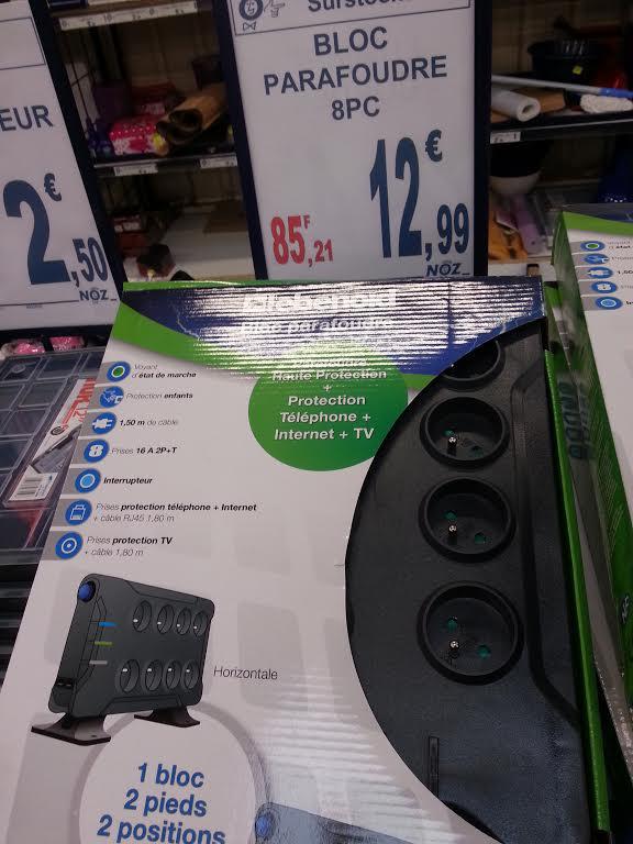 Bloc multiprise parafoudre 8 prises (+ 2 tv + 2 RJ45 + cables) L'Ebenoid