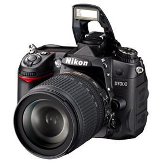 Appareil photo Reflex Nikon D7000 + Obectif. Nikon AF-S DX VR ED 18 - 105 mm f/3.5 - 5.6 série G