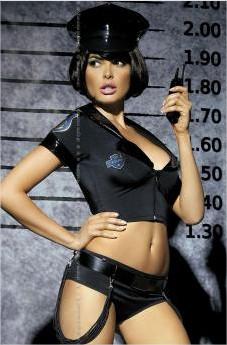 Jusqu'à -60% sur une sélection de produits - Ex: Ensemble Top & Shorty Policière